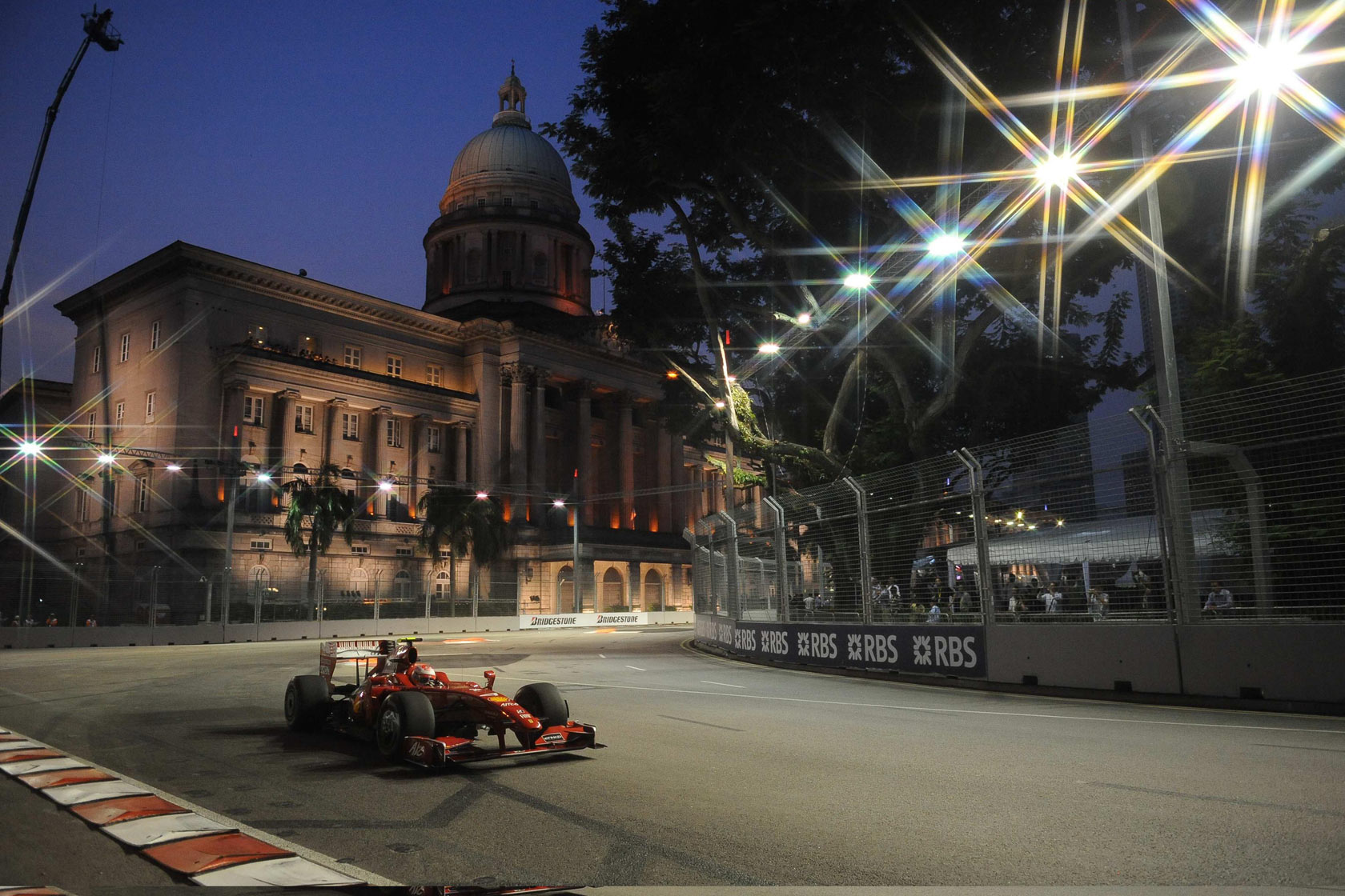 singapore-photo-f1-wallpaper-2009-3.jpg